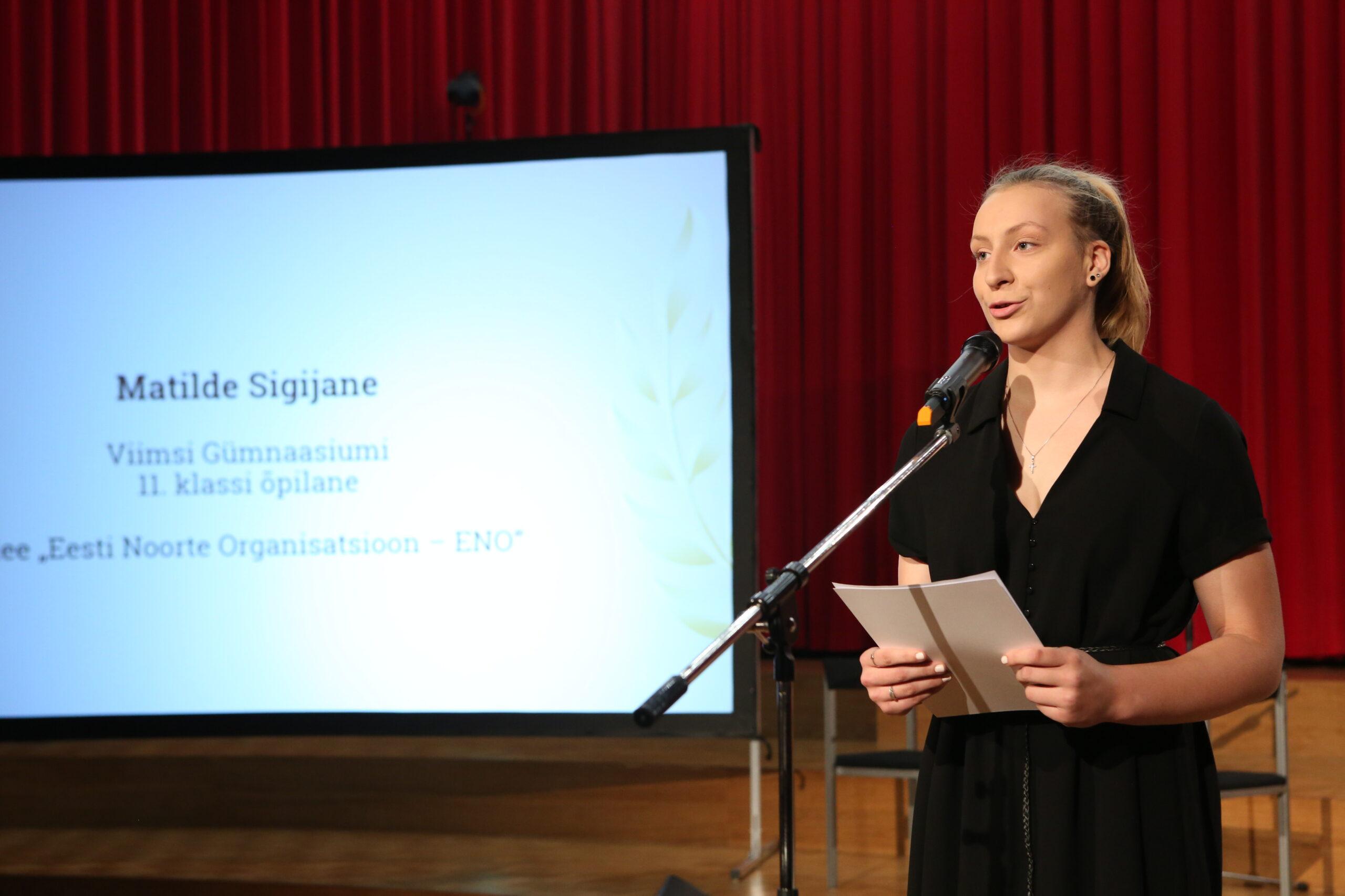 """Matilde Sigijane koolinoorte ideekonkursi """"Mina suudan"""" võidutöö autor"""